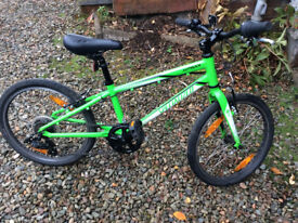Excellent condition - Specialized Hotrock 20 6 speed; Boys Bike