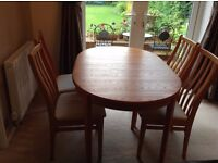 BARGAIN. REDUCED. DINING TABLE AND 6 CHAIRS. GOOD QUALITY. COME AND VIEW