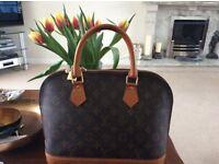 Louis Vuitton STYLE alma hand bag excellent condition