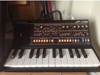 Roland JP 08 and K25m keyboard....excellent condition