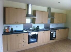 Ideal for Seaforth and Bootle area contractors. Double ensuite bedsit in Bootle, from 70pw all incl.