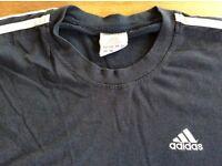 Adidas tshirt medium