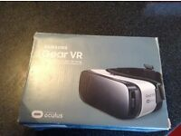 Samsung VR Headset and Smartphone/ Tablet game controller