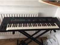 Yamaha keyboard with pedal
