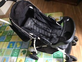 Graco Mirage Plus Pushchair (Black ZigZag) With rain cover - used and good condition.