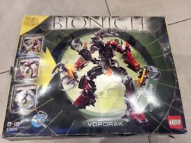 Lego bionicle,3kg assorted pieces, 3 95% complete models, various instructions