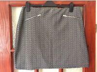 Ladies Black & White Mini Skirt Size 16