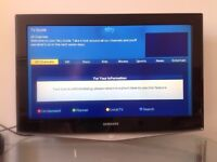 Samsung 32 inch slim HD LCD TV with wall bracket no stand, wall mounted, good condition