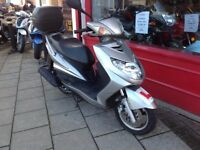 YAMAHA CYGNUS X 125cc SCOOTER DELIVERY CAN BE ARRANGED INTIME FOR CHRISTMAS
