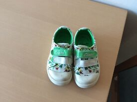 Boys Clarks shoes 6F