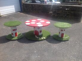 One off unique garden/patio table with 2 stools, table is 1 meter in diameter