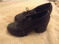 River island uk6 black leather shoes