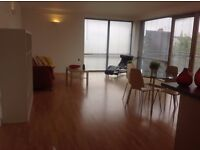 Stunning 2 double bed 2 bath flat excellent transport links on the doorstep in secure gated blockt