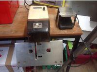 Rapid 101 electronic saddle stapler