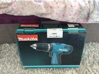 MAKITA 12 VOLT DRILL WITH TORCH RADIO,BOXED