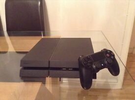PS4 IMMACULATE CONDITION, 1 TERRABITE WITH MINECRAFT, PLANTS VS ZOMBIES, FIFA 16 AND HDMI CABLE