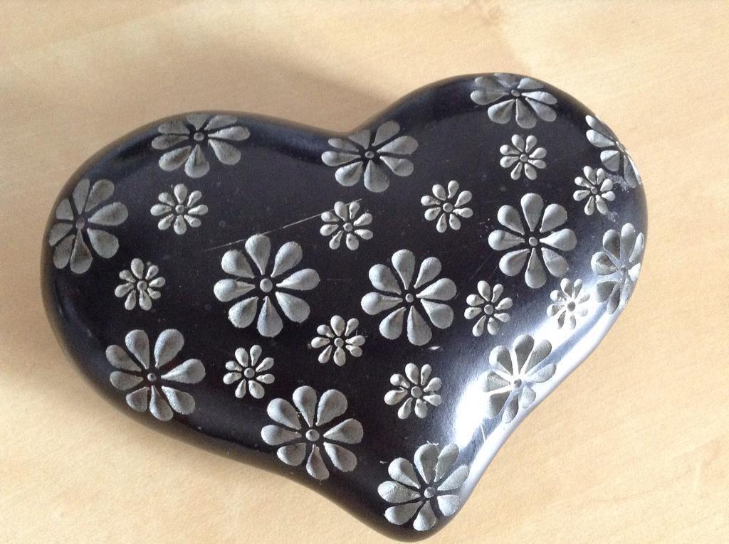 Black stone heart ornament