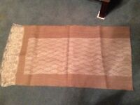 Hessian & lace table runners