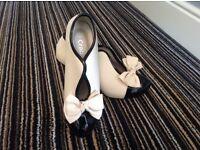 Crab - black and cream heels