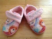 Slippers - Disney Anna & Elsa, size 10