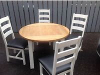 Oak Round Table with 4 Chairs.