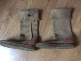 Ugg boots never worn