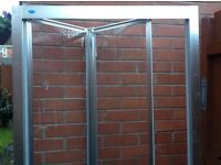 Bifold shower screen doors for a 900mm shower tray