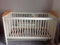Mamas & Papas Savannah Cot Bed, Ivory, excellent condition, like new