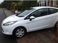 FORD FIESTA 2012 --1 PREVIOUS OWNER -- LOW WARRANTED MILEAGE