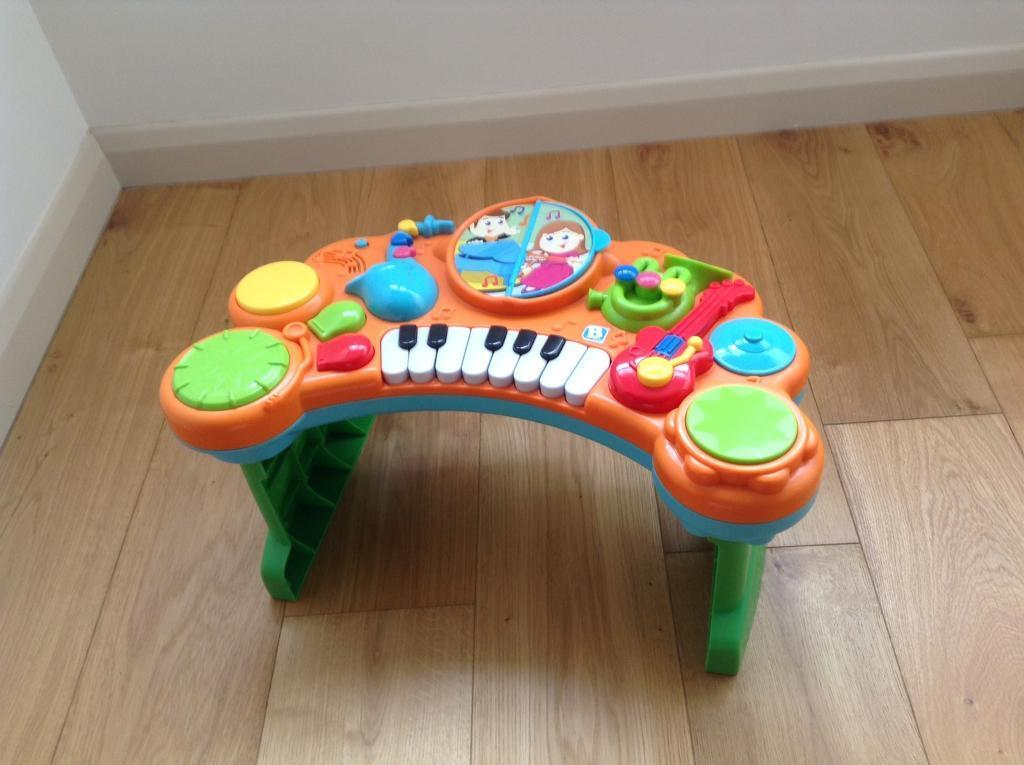 Babies musical activity table