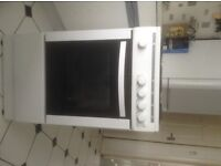 Freestanding Gas Cooker - Only used for about 3 months