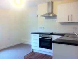 Reduced! Large 2 Bed Apartment. Excellent Condition,Town Centre, 3 mins to Trains