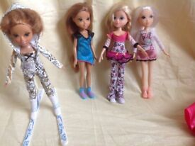 Moxie Girlz dolls x 4 - clothes and feet shoes