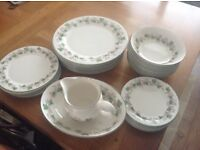 BONE CHINA DINNER SERVICE BY ROYAL DOULTON