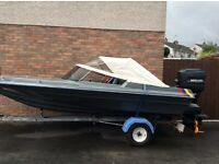 Speed boat 90hp Mercury engine and trailer