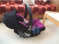 Britax baby-safe Plus SHR11, Cool berry. Birth to 13kg. Immaculate condition.