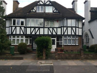 FANTASTIC 4 BED HOUSE - WEST ACTN - PRIVATE GARDEN - VERY SPACIOUS & BRIGHT - AVAILABLE NOW