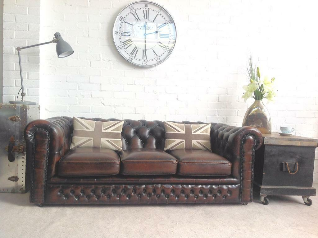 Stunning vintage brown leather chesterfield sofa. Can deliver