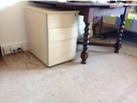 Filing cabinet / bedside table