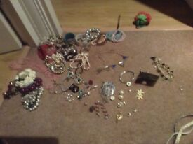 Jewellary, beads and hobby crafts