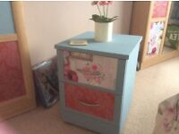 Quirky/vintage/shabby chic style bedside table/chest of drawers