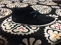 Brand new size 5 Fred Perry Navy shoes For Sale