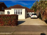 Large 4 bedroom Bungalow with Swimming Pool - Wickford Essex