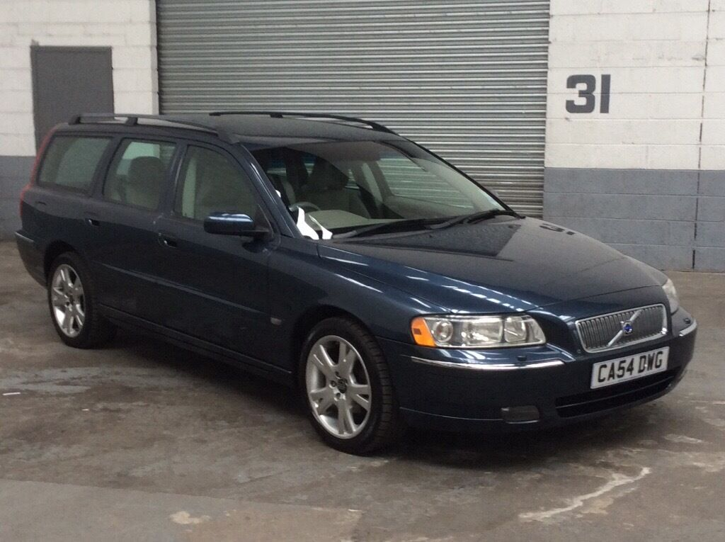 volvo v70 2 4 d5 manual se estate 2004 54 metallic blue grey leather full service history heated. Black Bedroom Furniture Sets. Home Design Ideas