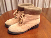 REAL SUEDE ANKLE BOOTS. LIGHT BEIGE. SIZE 7 – 8. VGC