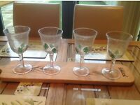 4 Christmas wine glasses