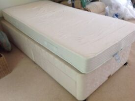 Single sprung base divan bed with 2 drawers and mattress