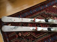 Ladies Skis, Rossignol Temptation 82. Size 160cms. Condition excellent, only light use for 2 weeks.