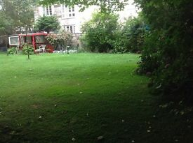Delightful, quiet 1 bed flat overlooking shared garden in popular Stockbridge , close to Princes St.