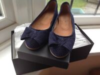 Hobbs navy and white Italian suede leather ballerina pumps UK Size 3 /EU 36
